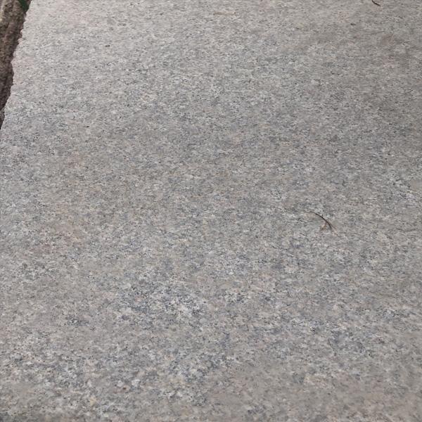 芝麻灰荔枝面花岗岩